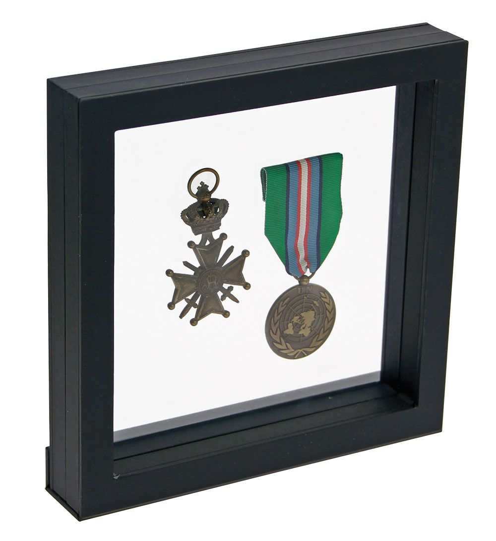 Safe - Floating frame black, 180 x 180 mm